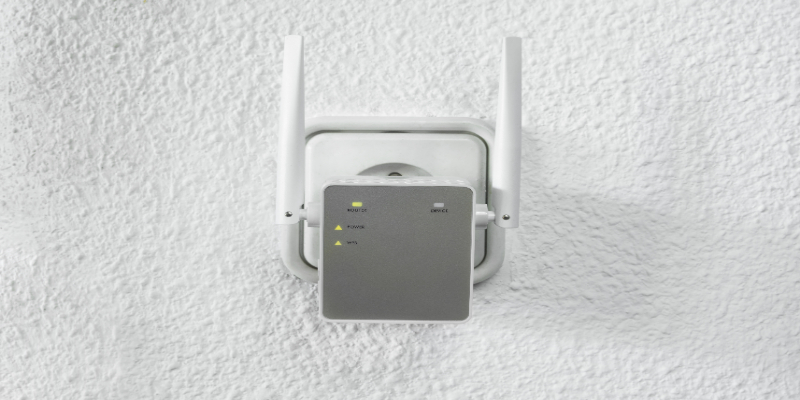 wifi extender outlet